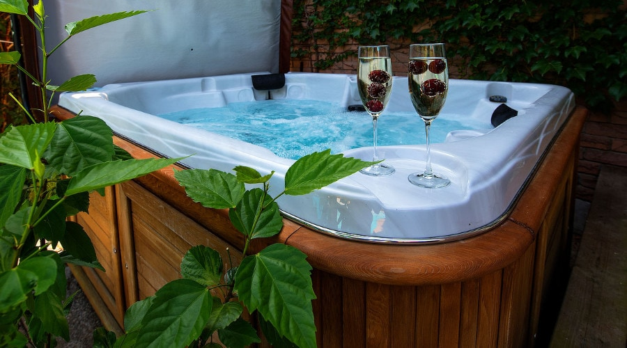 Hot Tubs and Jacuzzis in the Garden
